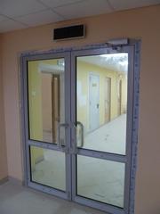 Огнестойкие алюминиевые двери со стеклом - foto 4
